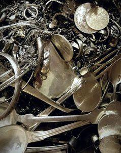 Silberbesteck und Silberschmuck